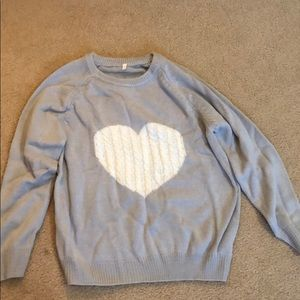 Sweaters - Gray heart sweater